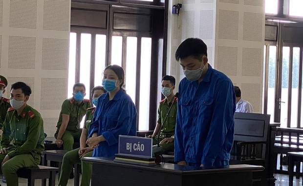 Những hình ảnh đầu tiên trong phiên xử đường dây đưa người Trung Quốc vào Đà Nẵng trái phép - Ảnh 2.