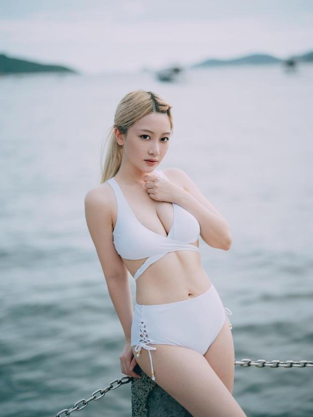 Ngắm nhan sắc cực gợi cảm của nữ streamer Hong Kong - Ảnh 2.