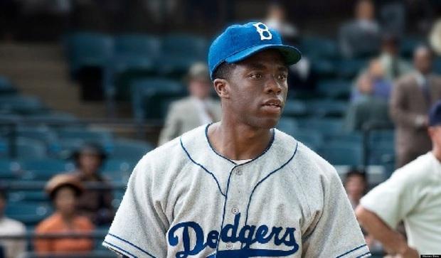 Black Panther Chadwick Boseman: Từ cậu bé bị xa lánh vì màu da đến hành trình  xoá nhoà ranh giới sắc tộc - Ảnh 2.