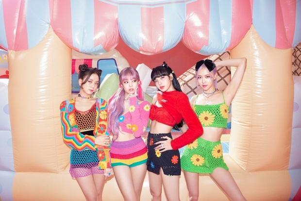 BLACKPINK có 6 set đồ nhóm trong MV mới nhưng phân nửa đều sến sẩm và quê kiểng khó tin, bộ YG mướn stylist JYP sang làm dùm? - Ảnh 5.