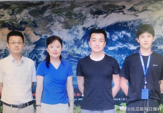 Sau lùm xùm bị fan cấm nhận vai, Dương Dương xuất hiện cực bảnh ở hậu trường phim mới - Ảnh 1.