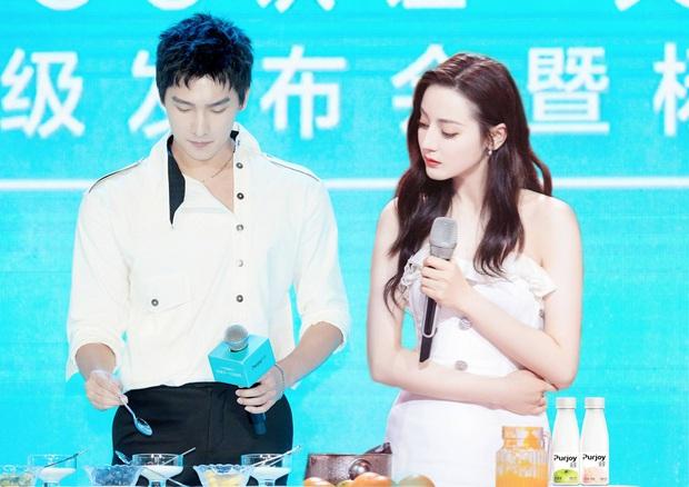 Sau lùm xùm bị fan cấm nhận vai, Dương Dương xuất hiện cực bảnh ở hậu trường phim mới - Ảnh 4.