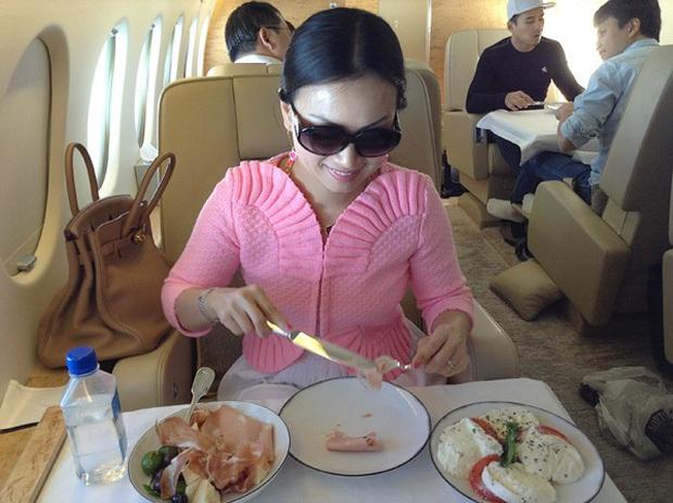Em gái Cẩm Ly: Thành người Việt giàu nhất thế giới sau khi lấy chồng tỷ phú ở Mỹ, gia tài đồ sộ, vi vu với chuyên cơ riêng - Ảnh 15.