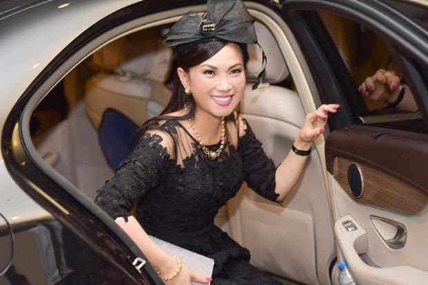 Em gái Cẩm Ly: Thành người Việt giàu nhất thế giới sau khi lấy chồng tỷ phú ở Mỹ, gia tài đồ sộ, vi vu với chuyên cơ riêng - Ảnh 19.