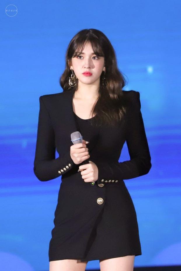 Đụng độ Điên nữ Itaewon Class và Son Ye Jin, bà hoàng sang chảnh Seo Ye Ji vẫn chẳng hề kém cạnh - Ảnh 11.