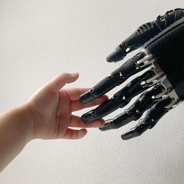 Tôi là một cyborg: Câu chuyện về chàng trai đánh mất cả hai bàn tay và cách anh biến cuộc đời mình trở nên cực kỳ có ý nghĩa - Ảnh 5.
