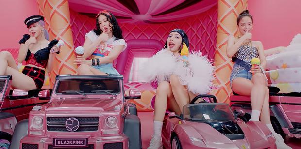 BLACKPINK có 6 set đồ nhóm trong MV mới nhưng phân nửa đều sến sẩm và quê kiểng khó tin, bộ YG mướn stylist JYP sang làm dùm? - Ảnh 3.