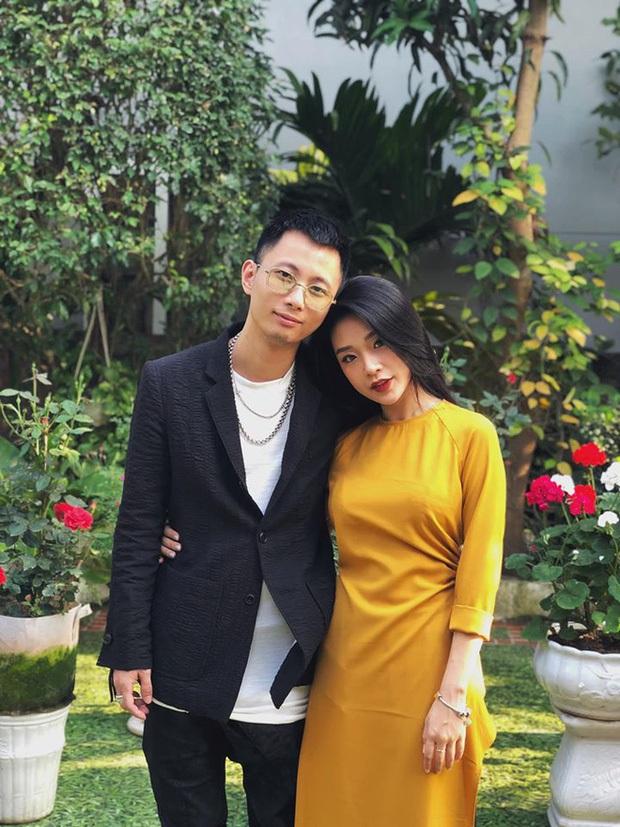Bà xã khoe ảnh Rhymastic chăm con đầu lòng cực khéo: Ra dáng ông bố trẻ, khác hẳn hình ảnh giám khảo Rap Việt ngầu lòi - Ảnh 4.