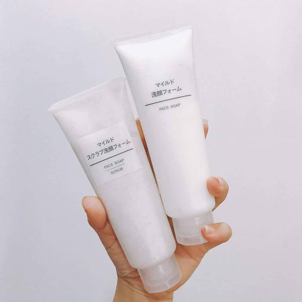 Da bạn sẽ ngày một mịn mướt nhờ 5 loại sữa rửa mặt tẩy da chết đã dùng là mê - Ảnh 5.