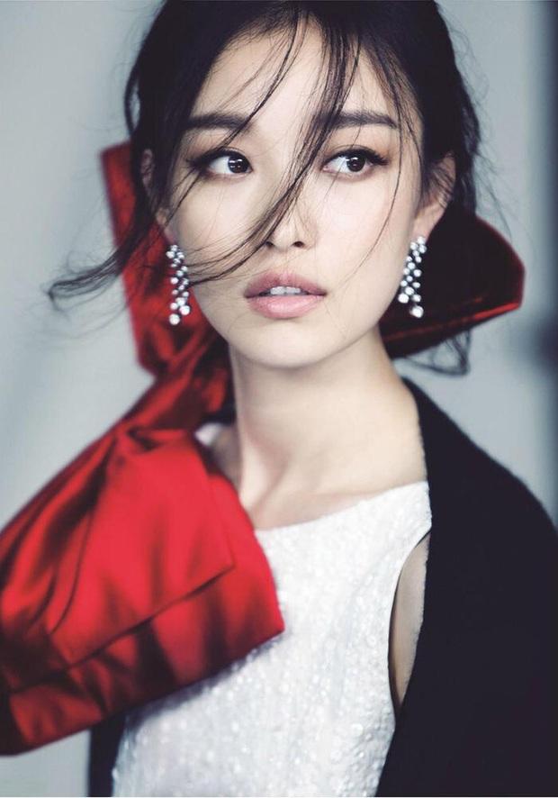 Tranh cãi BXH 55 sao nữ có gương mặt đẹp nhất châu Á: BLACKPINK, Nhiệt Ba thấp bất ngờ, top 5 đều quá khó hiểu - Ảnh 2.