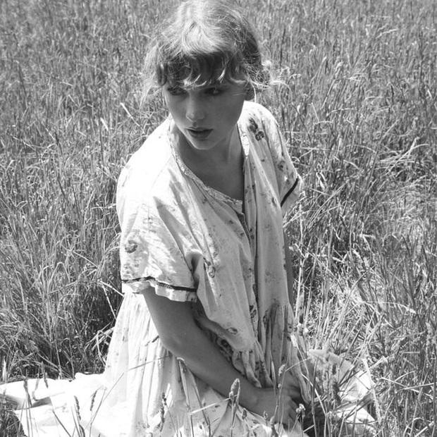 cardigan debut #1 Billboard Hot 100, Taylor Swift nhận cơn mưa kỉ lục, viết thêm những thành tích mới vào lịch sử âm nhạc thế giới! - Ảnh 3.