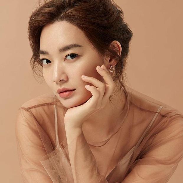Tranh cãi BXH 55 sao nữ có gương mặt đẹp nhất châu Á: BLACKPINK, Nhiệt Ba thấp bất ngờ, top 5 đều quá khó hiểu - Ảnh 6.