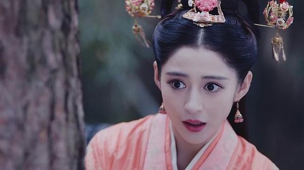 Nàng thơ của Châu Kiệt Luân gây hoảng hồn với nhan sắc thật bị phơi bày trên livestream: Hậu quả của dao kéo quá đà? - Ảnh 9.