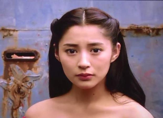 Nàng thơ của Châu Kiệt Luân gây hoảng hồn với nhan sắc thật bị phơi bày trên livestream: Hậu quả của dao kéo quá đà? - Ảnh 8.