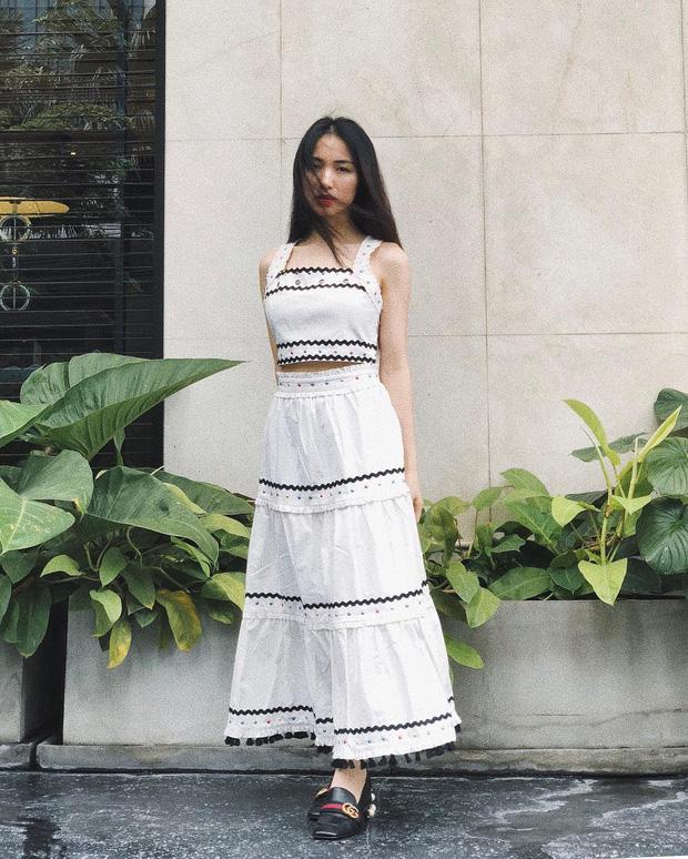 Nhờ Hòa Minzy, các nàng sẽ biết bộ đôi váy + giày là khắc tinh của team chân ngắn, diện lên trông lùn tịt - Ảnh 2.