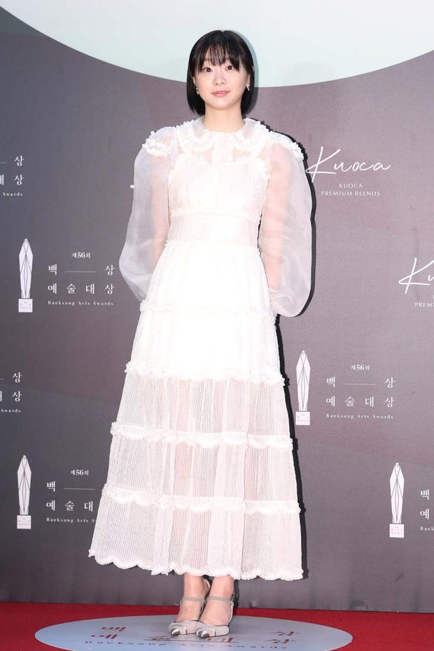 1 chiếc váy 2 số phận: Điên nữ Itaewon bị chê khó cảm, Seo Ye Ji diện lên lại sang hết sức - Ảnh 2.
