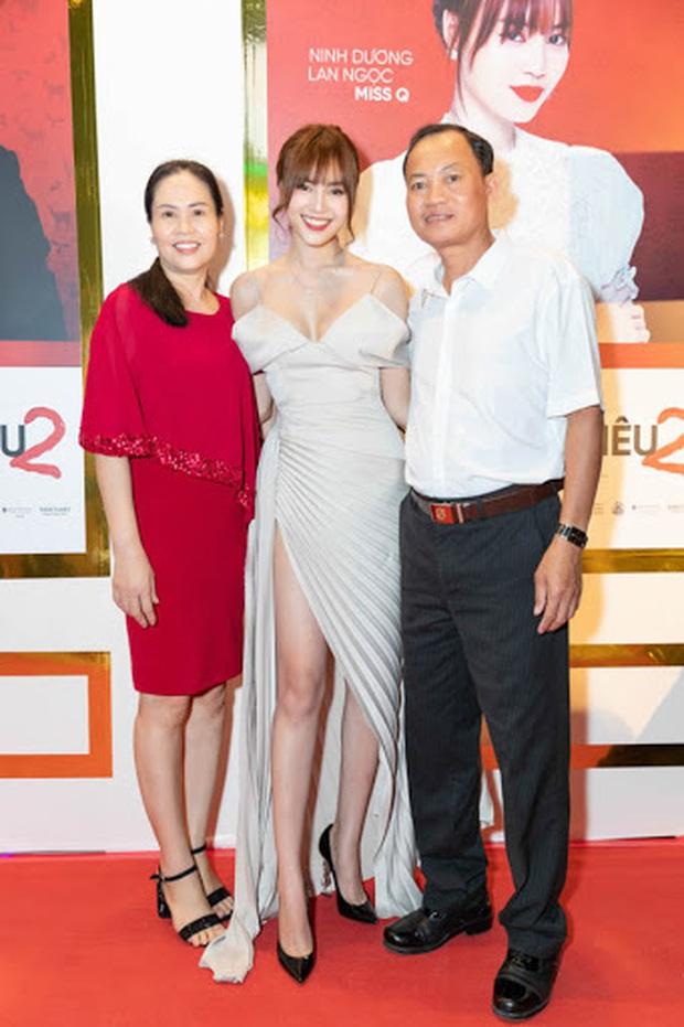 Sao Việt cosplay mẹ: Hari Won diện y nguyên bản gốc, Hương Giang thay bằng túi Chanel trăm triệu nhưng hài nhất lại là Lan Ngọc - Ảnh 9.