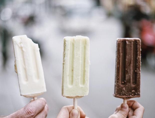 Thích thú nhìn quy trình làm nghìn cây kem mỗi ngày, xem xong chỉ muốn ăn liền một thúng cho đỡ thèm! - Ảnh 1.