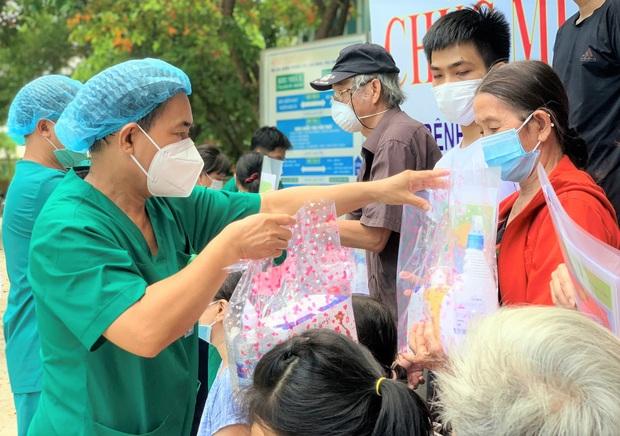 5 ngày liên tiếp Đà Nẵng không có ca lây nhiễm trong cộng đồng, 17 bệnh nhân Covid-19 được xuất viện - Ảnh 3.