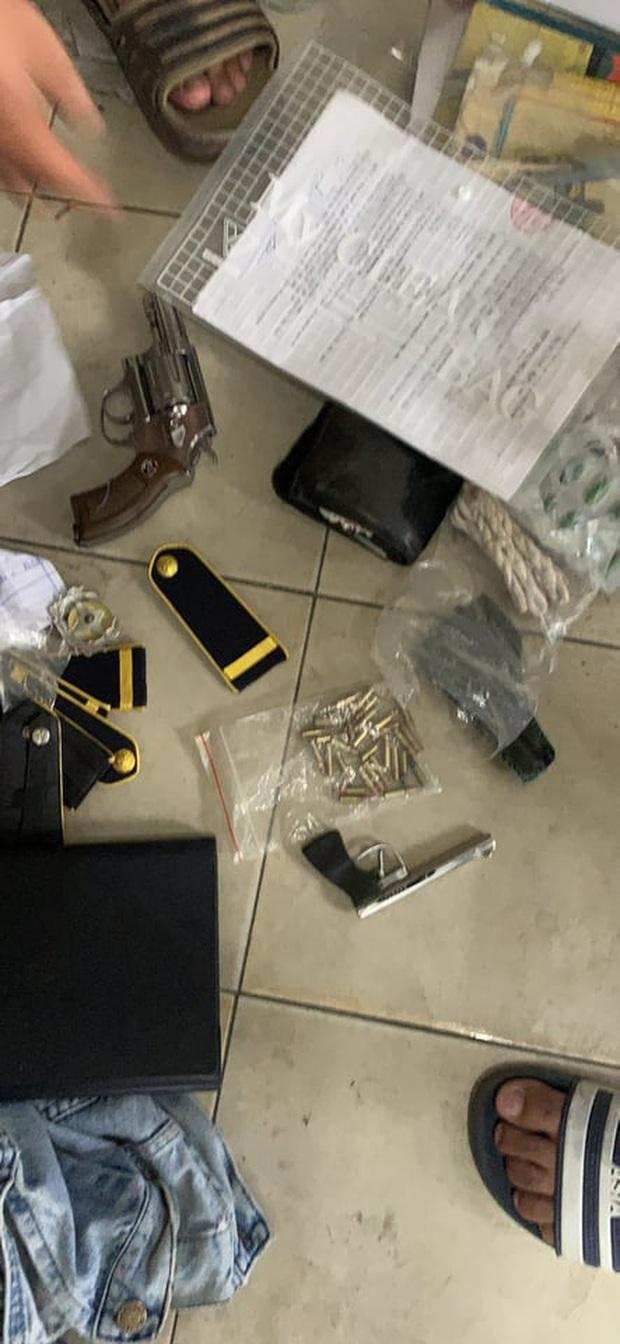 """Phát hiện kho vũ khí """"nóng"""" của nam nhân viên bảo vệ kiêm giữ xe của Bệnh viện quận 9  - Ảnh 5."""
