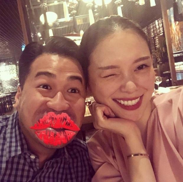 Linh Rin vỡ òa khi được Phillip Nguyễn và hội bạn tổ chức sinh nhật, chàng chỉ đứng đằng xa nhưng ánh mắt nói lên tất cả - Ảnh 6.