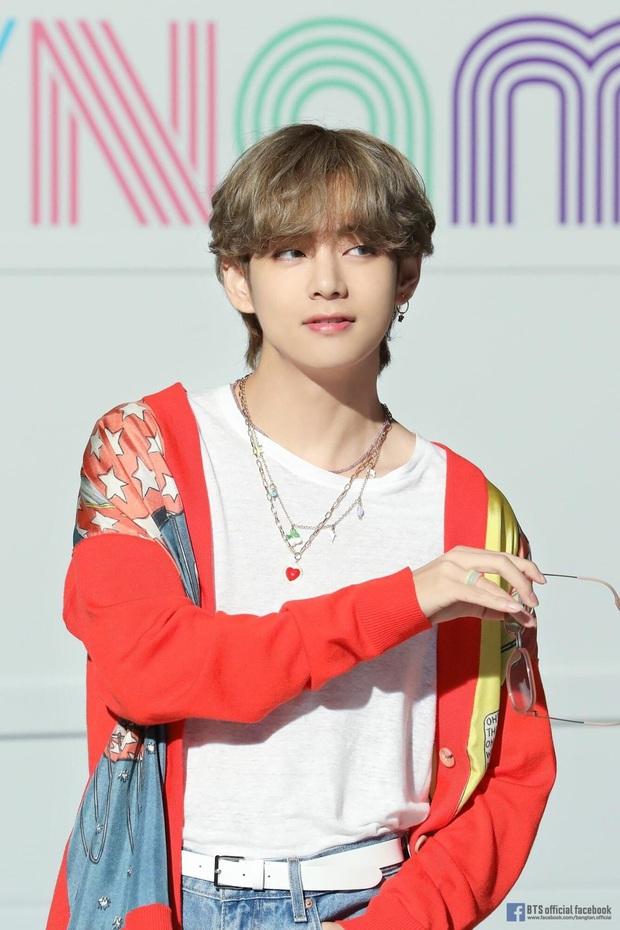 BXH 30 idol hot nhất hiện tại: BLACKPINK - BTS cạnh tranh khốc liệt, bất ngờ với 2 idol thành công chen vào giữa top 10 - Ảnh 5.