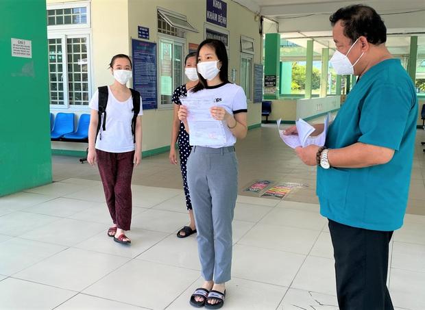 5 ngày liên tiếp Đà Nẵng không có ca lây nhiễm trong cộng đồng, 17 bệnh nhân Covid-19 được xuất viện - Ảnh 4.