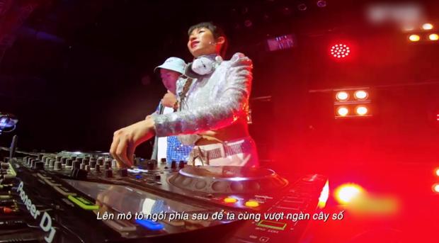 DJ Trang Moon bị dìm hàng vì góc máy quay ở King of Rap, so với ảnh sống ảo mà không nhận ra luôn! - Ảnh 3.