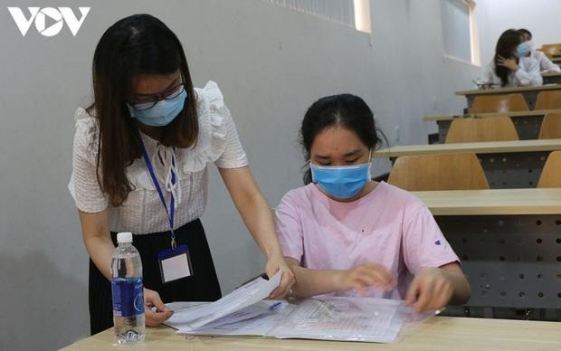 Hơn 31.000 thí sinh bỏ thi đánh giá năng lực của ĐHQG TP.HCM - Ảnh 1.