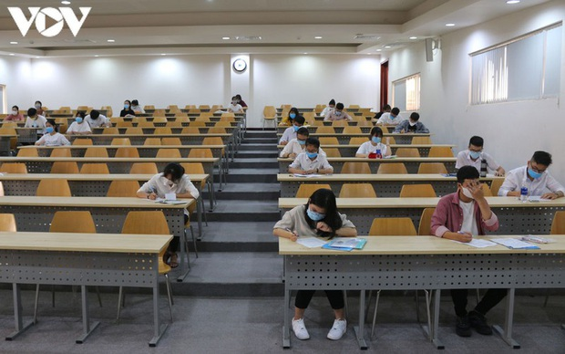 Hơn 31.000 thí sinh bỏ thi đánh giá năng lực của ĐHQG TP.HCM - Ảnh 2.