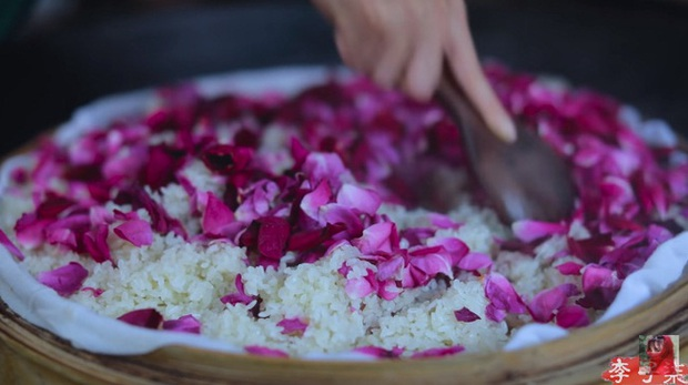Tiên nữ đồng quê Lý Tử Thất mê hoặc hội chị em bằng vườn hồng như chốn cổ tích kèm công thức chế biến tỷ thứ từ loại hoa này - Ảnh 12.