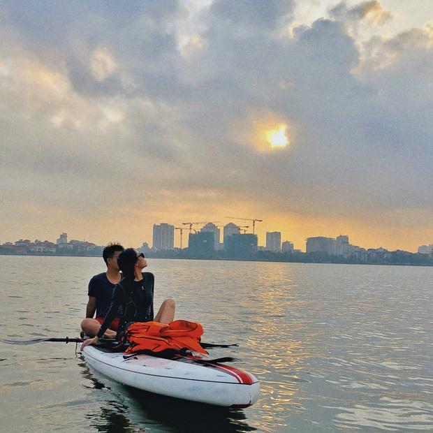 Gái xinh khoe ảnh chèo thuyền SUP cực hot ở Hồ Tây (Hà Nội), check-in cùng hoàng hôn nữa thì bao đẹp bao phê! - Ảnh 4.