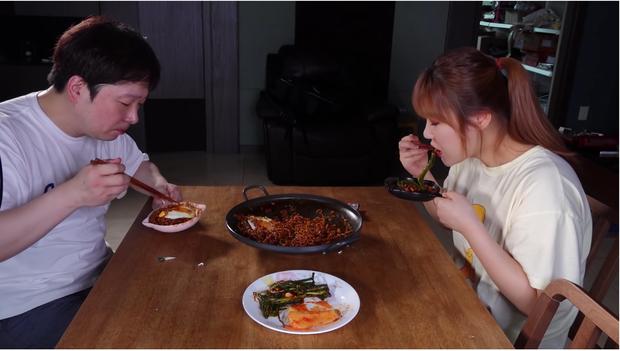 Vượt bão scandal, nữ YouTuber mukbang Hàn Quốc hiếm hoi chứng minh được sự trong sạch và tiếp tục được yêu thích - Ảnh 4.