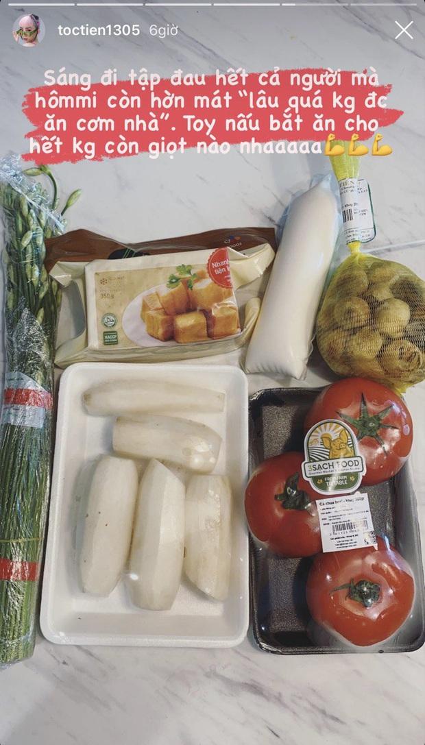 Cô vợ đảm đang nhất nhì showbiz đây rồi: chồng vừa đòi ăn cơm nhà, Tóc Tiên lập tức nấu một bữa ấm tình huynh đệ - Ảnh 1.