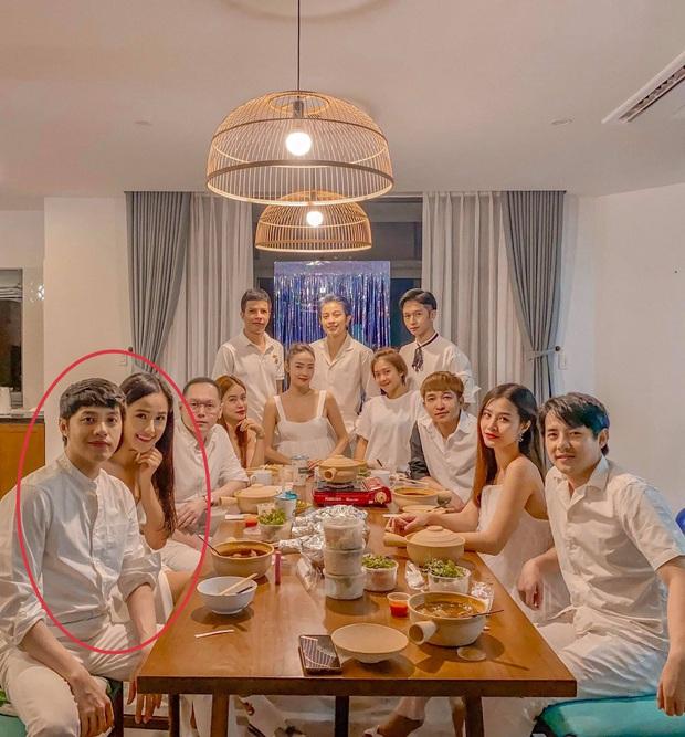 Gia đình văn hoá mừng sinh nhật Khả Ngân, vị trí của Noo - Mai Phương Thuý và Gil Lê - Hoàng Thuỳ Linh trùng hợp bất ngờ - Ảnh 6.