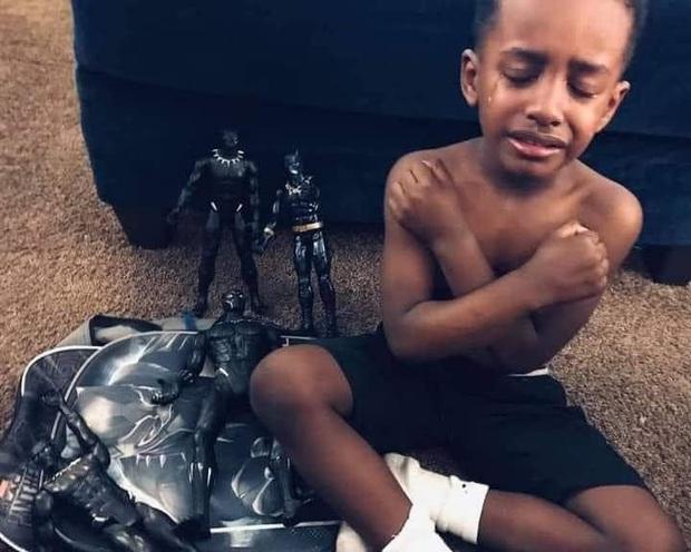 Không chỉ người lớn, trẻ em trên toàn thế giới cũng nghẹn ngào vì mất đi siêu anh hùng Black Panther Chadwick Boseman - Ảnh 3.