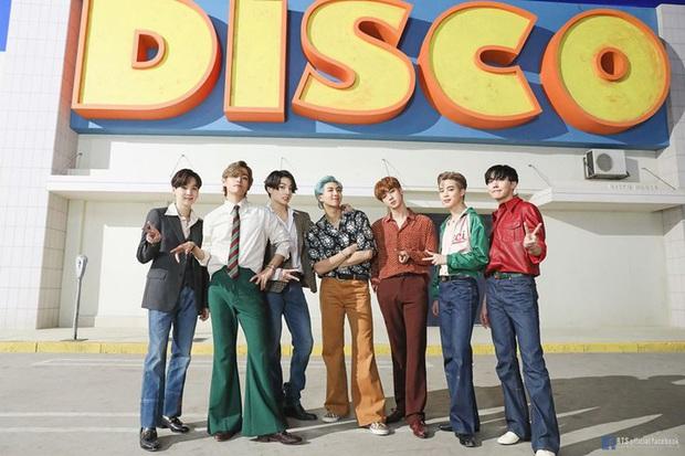 BTS chiến thắng Best Kpop và Best Group quá dễ dàng, BLACKPINK là nhóm nữ Kpop đầu tiên có giải tại MTV VMAs! - Ảnh 1.