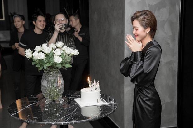 Gia đình văn hoá mừng sinh nhật Khả Ngân, vị trí của Noo - Mai Phương Thuý và Gil Lê - Hoàng Thuỳ Linh trùng hợp bất ngờ - Ảnh 3.