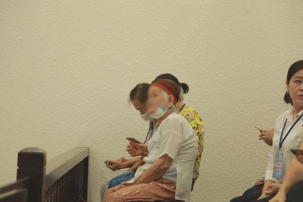 VKS đề nghị tòa tuyên án tử hình đối với bị cáo giết hại vợ, phân xác phi tang xuống sông - Ảnh 4.