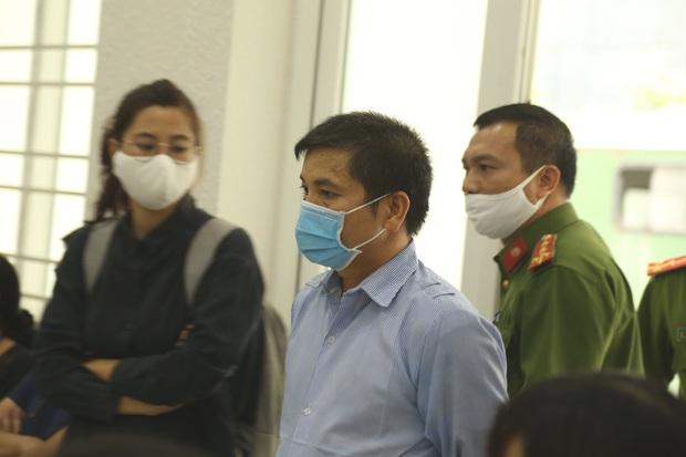 VKS đề nghị tòa tuyên án tử hình đối với bị cáo giết hại vợ, phân xác phi tang xuống sông - Ảnh 1.