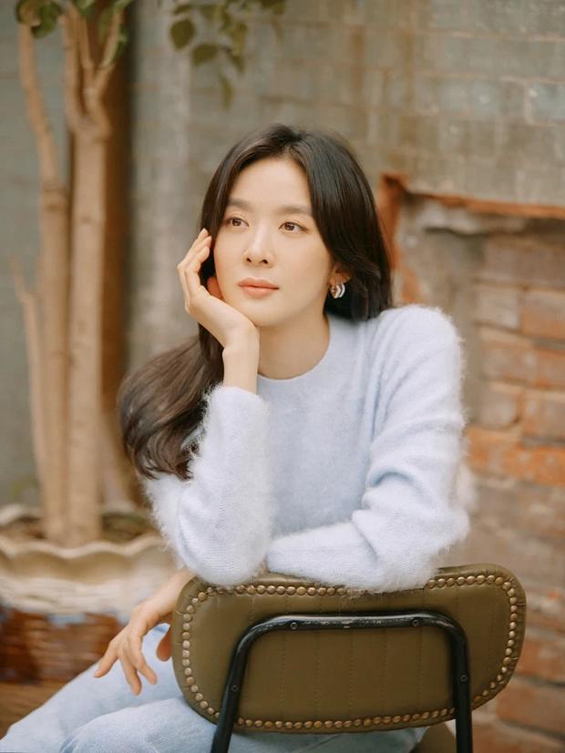 Diễn viên tân binh gây lú vì giống cả vườn hoa Kbiz: Có hết nét đẹp của nữ thần Sulli, Eunjung chưa đủ, giờ đến cả nam thần Kpop - Ảnh 10.