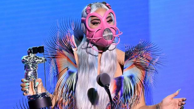 Kết quả MTV VMAs 2020: Lady Gaga và BTS chiếm trọn spotlight, Ariana Grande gom nhanh 4 giải, riêng Billie Eilish trắng tay - Ảnh 7.
