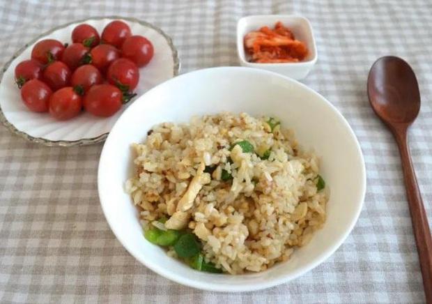 4 loại thực phẩm tốt nhất đừng nên ăn trong bữa sáng, không những ít dinh dưỡng mà còn tạo gánh nặng cho dạ dày - Ảnh 1.