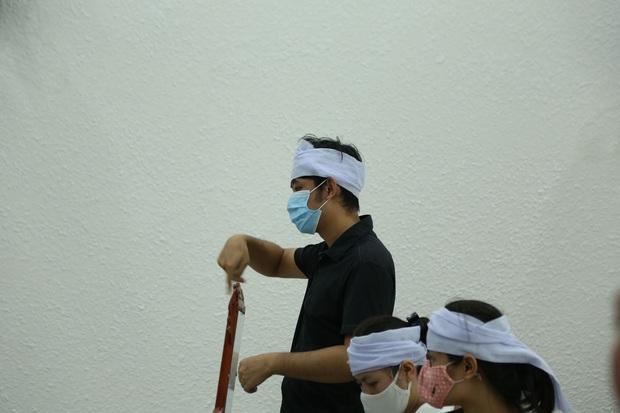 VKS đề nghị tòa tuyên án tử hình đối với bị cáo giết hại vợ, phân xác phi tang xuống sông - Ảnh 5.