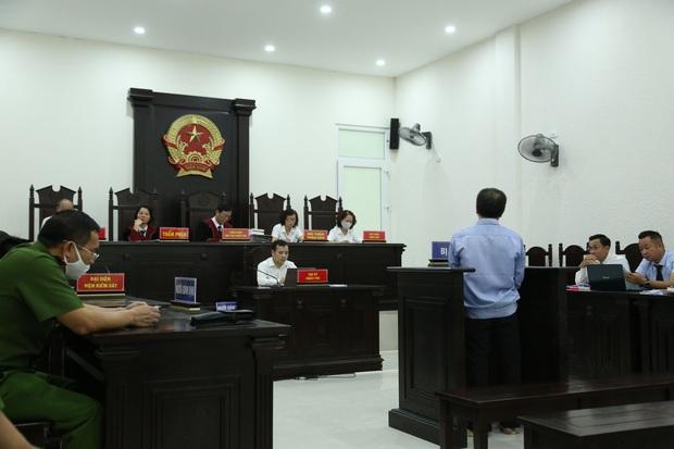 VKS đề nghị tòa tuyên án tử hình đối với bị cáo giết hại vợ, phân xác phi tang xuống sông - Ảnh 7.