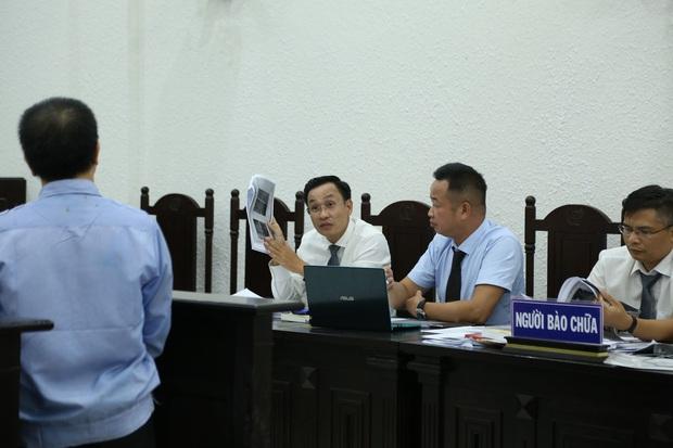 VKS đề nghị tòa tuyên án tử hình đối với bị cáo giết hại vợ, phân xác phi tang xuống sông - Ảnh 8.