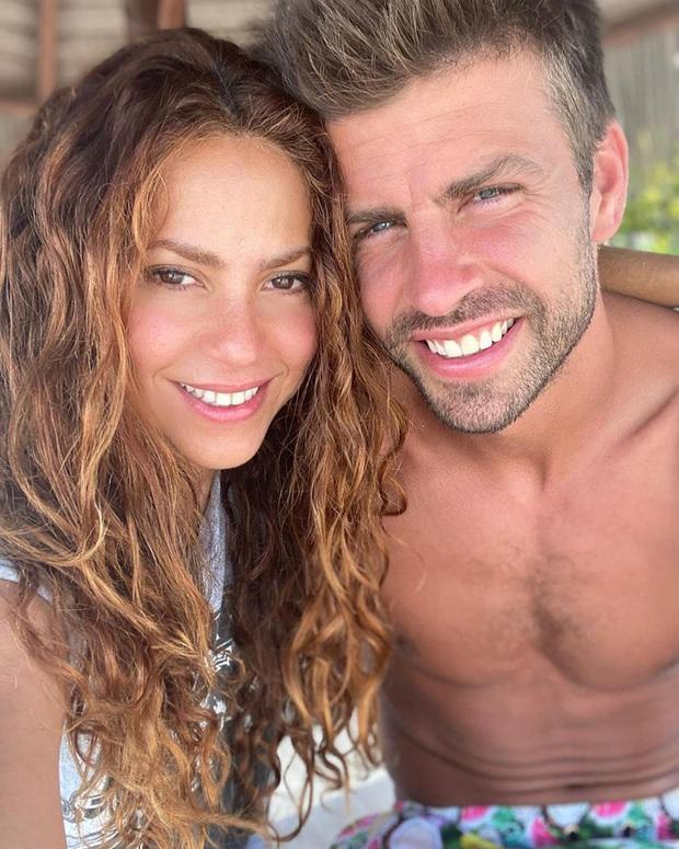 Nữ hoàng nhạc Latin Shakira đăng hình cực tình cảm cùng trung vệ nam thần, nhìn ảnh không ai nhận ra nàng hơn chàng tới 10 tuổi - Ảnh 1.