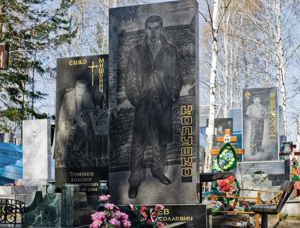 Thăm thú nghĩa trang mafia độc đáo ở Nga: Khi còn sống khét tiếng bao nhiêu, lúc nhắm mắt cũng hoành tráng bấy nhiêu - Ảnh 9.