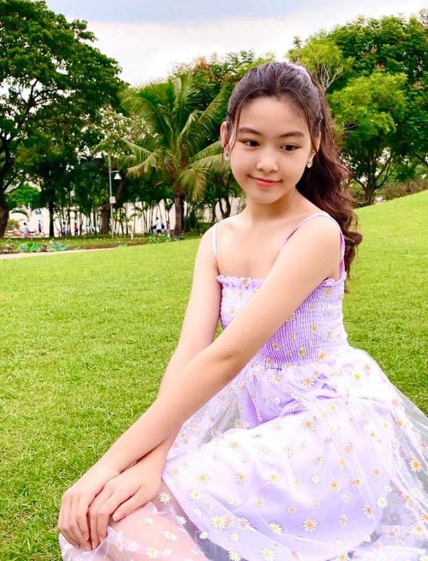 Bất chấp mẹ chụp cam thường, 2 tiểu thư nhà MC Quyền Linh vẫn đẹp điên đảo: Bảo sao bị hối đi thi Hoa hậu ngay và luôn! - Ảnh 8.