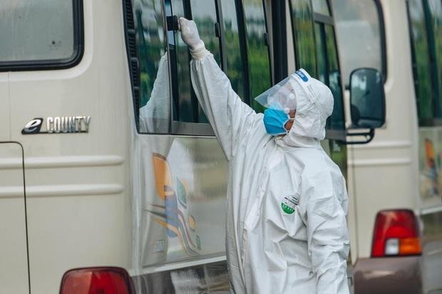 Chỉ 21 người về từ Guinea Xích đạo nhiễm Covid-19 - Ảnh 1.